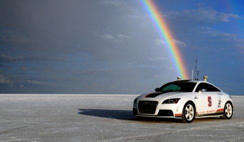 audi bez vozaca - Audi TTS - LookerWeekly.com