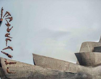 Skakač u vodu ispred muzeja Gugenhajm u Bilbau, autor: Pedro Luis Ajuriagera Saiz iz Španije
